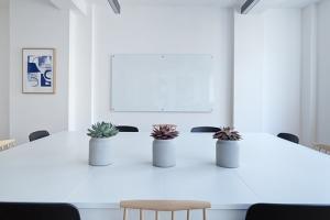 Jak wygodnie urządzić nasze biuro?